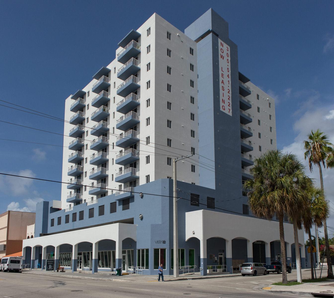 Vista 12 Apartments